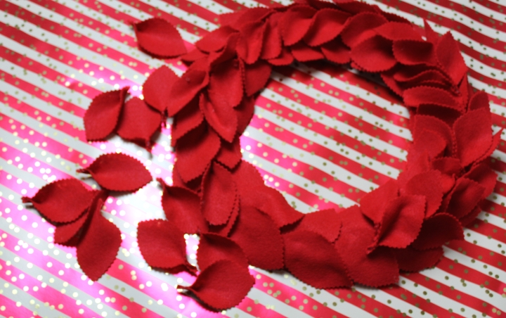 DIY:: Felt Wreath