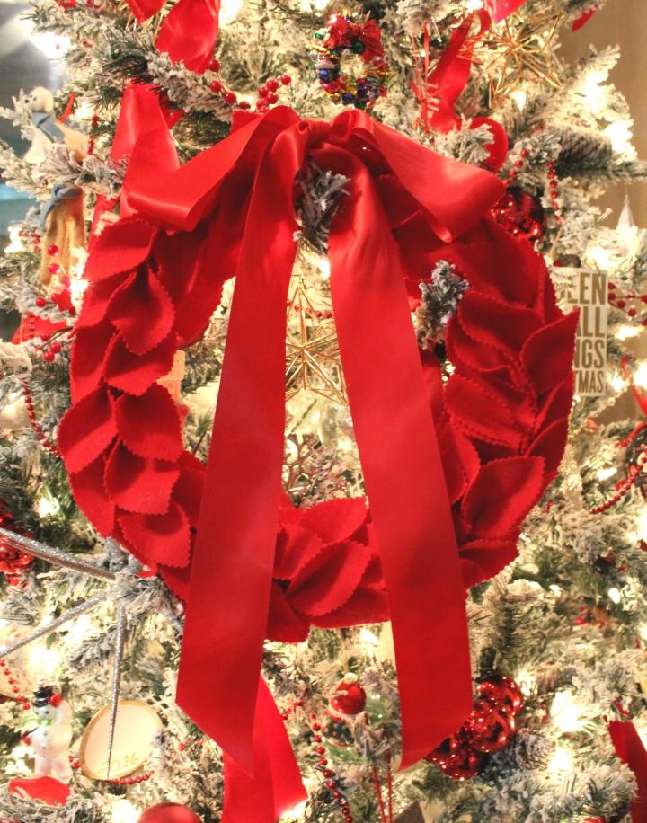Felt Wreath.JPG